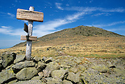 Trail sign along the Appalachian Trail (Gulfside Trail) in the White Mountain National Forest of New Hampshire USA. Mount Jefferson is straight ahead.