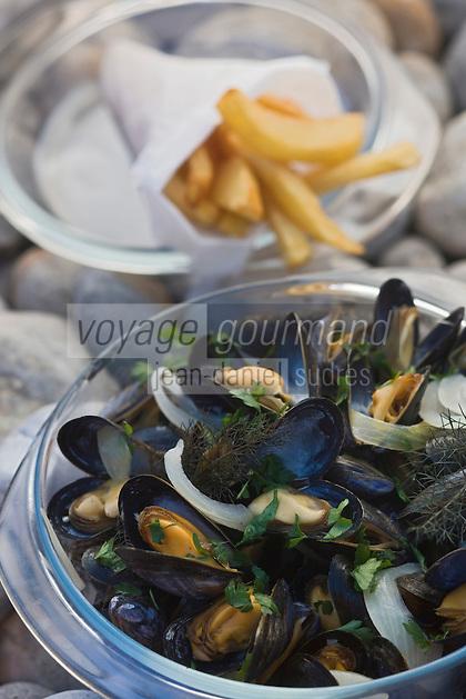 Europe/France/Picardie/80/Somme/Baie de Somme/Saint-Firmin-les-Crotoy: Moules frites de l'Auberge de la Dune
