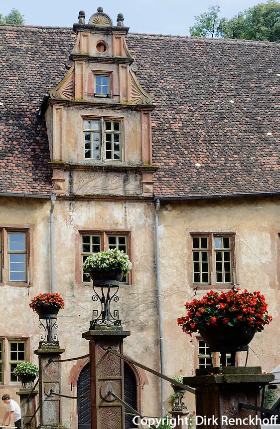 Schloss Fürstenau, Michelstadt-Steinbach im Odenwald, Hessen, Deutschland, vor der Kirche Modell der ursprünglichen Kirche
