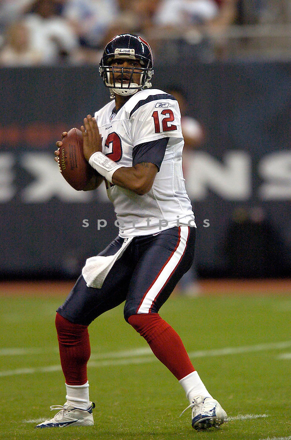 Tony Banks, of the Houston Texans, in action against the Denver Broncos on August 13, 2005...Denver wins 20-14..David Durochik / SportPics
