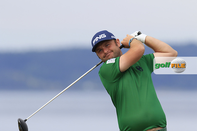 Andy SULLIVAN (ENG) tees off the 18th tee during Thursday's Round 1 of the 2015 U.S. Open 115th National Championship held at Chambers Bay, Seattle, Washington, USA. 6/18/2015.<br /> Picture: Golffile | Eoin Clarke<br /> <br /> <br /> <br /> <br /> All photo usage must carry mandatory copyright credit (&copy; Golffile | Eoin Clarke)
