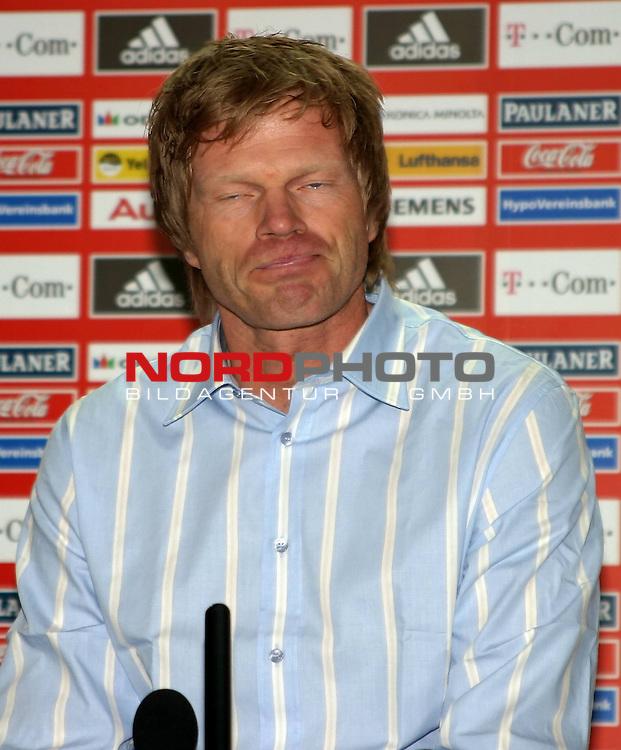 BL 05 / 06- <br /> <br /> Oliver Kahn - Pressekonferenz Oliver Kahns Entscheidung zur WM 06 - M&cedil;nchen FC Bayern - 10.04.06 <br /> <br /> <br /> Foto &copy; nordphoto <br /> <br />  *** Local Caption *** Foto ist honorarpflichtig! zzgl. gesetzl. MwSt.<br />  Belegexemplar erforderlich