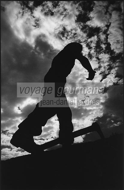 Europe/France/Midi-Pyrénées/12/Aveyron/Aubin:Statue de Mineur en mémoire de l'activité minière de la région,oeuvre du sculpteur aveyronnais Remy Coudrain 1975
