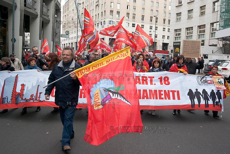Milano, sciopero generale proclamato dalla CGIL per protestare contro il governo Monti e la riforma del lavoro. FIOM --- Milan, general strike proclaimed by CGIL trade union, as a protest against the government and the labor reform