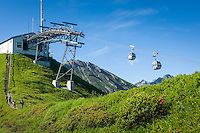 Austria, Vorarlberg, Kleinwalsertal, Riezlern: with Kanzelwand cable car up to upper station at 1.956 m, then another 20 minutes hike up to the summit Kanzelwand | Oesterreich, Vorarlberg, Kleinwalsertal, Riezlern: mit der Kanzelwandbahn hinauf zur Bergstation auf 1.956 m, danach sind es noch ca. 20 Minuten Fussweg bis zum Gipfel der Kanzelwand