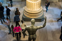 Visitors at the Metropolitan Museum of Art in New York on Sunday, January 20, 2013. (© Richard B. Levine)