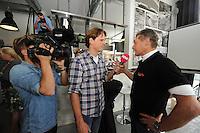 SCHAATSEN: HEERENVEEN: 23-09-2014, Perspresentatie Team Clafis, Jillert Anema, interview Pow tv, ©foto Martin de Jong