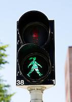 Amersfoort- In Amersfoort hebben de stoplichten vrouwfiguren ipv manfiguren