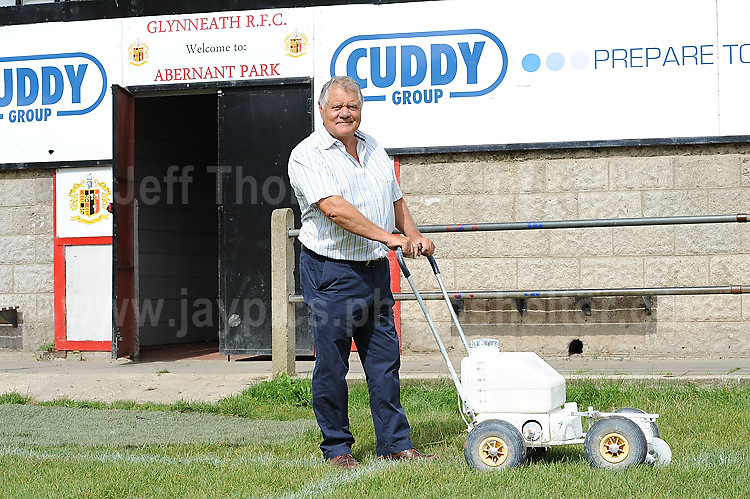 "Entertainer Max Boyce at the Glyn Neath rugby club ground. Thursday 24th Aug 2017<br /> <br /> <br /> Jeff Thomas Photography -  www.jaypics.photoshelter.com - <br /> e-mail swansea1001@hotmail.co.uk -<br /> Mob: 07837 386244 -<br /> <br /> Copyright of these pictures is owned by ""The Rugby Paper"" and any use of these pictures is completely restricted."