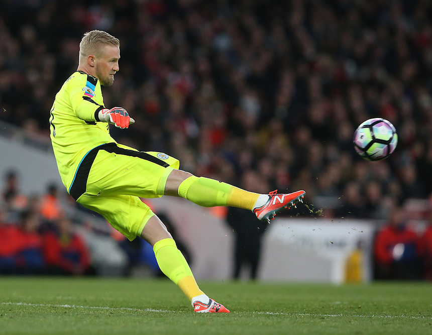 Leicester City's goalkeeper Kasper Schmeichel<br /> <br /> Photographer Stephen White/CameraSport<br /> <br /> The Premier League - Arsenal v Leicester City - Wednesday 26th April 2017 - Emirates Stadium - London<br /> <br /> World Copyright &copy; 2017 CameraSport. All rights reserved. 43 Linden Ave. Countesthorpe. Leicester. England. LE8 5PG - Tel: +44 (0) 116 277 4147 - admin@camerasport.com - www.camerasport.com