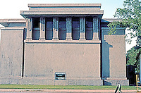 F.L. Wright: Unity Temple, Oak Park. 1906.  Photo '76.