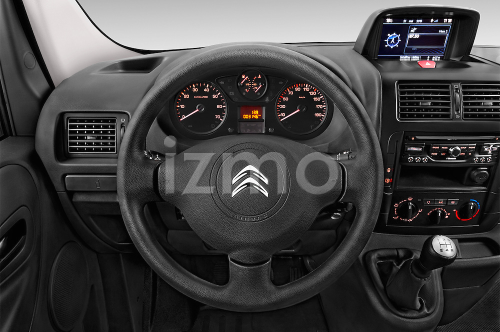 Car pictures of steering wheel view of a 2015 Citroen Jumpy L1H1 Ft10 4 Door Cargo Van