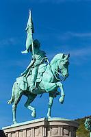 France, Pas-de-Calais (62), Côte d'Opale, Boulogne-sur-Mer, la statue du général San Martin //  France, Pas de Calais, Cote d'Opale (Opal Coast) , Boulogne sur Mer, statue of General San Martin