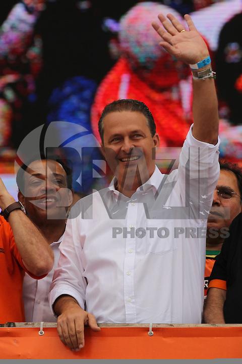 SAO PAULO, SP, 01/05/2014, FESTA DO TRABALHADOR. Acontece hoje (1) Dia do Trabalhador, a Festa da Central Sindical na Pca Campos de Bagatelli no bairro de Santana. Na foto  Paulinho da forca. Na foto o pre candidato a presidencia da republica, Eduardo Campos (PSB) . LUIZ GUARNIERI/BRAZIL PHOTO PRESS.