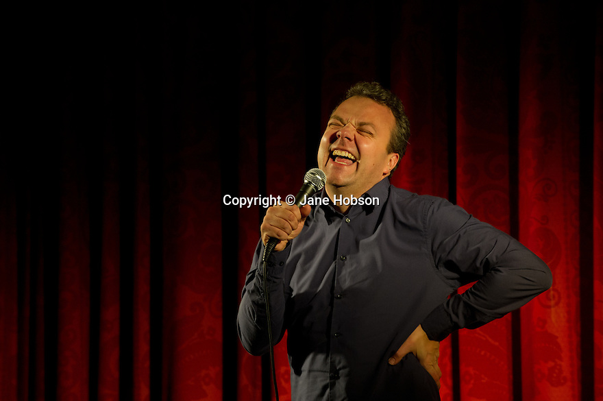 Harrogate, UK. 15.12.11. Sitting Room Comedy Club at the Cedar Court Hotel, Harrogate, plays host to top stand ups Tony Law, Anthony King and Hal Cruttenden. Photo credit: Jane Hobson.