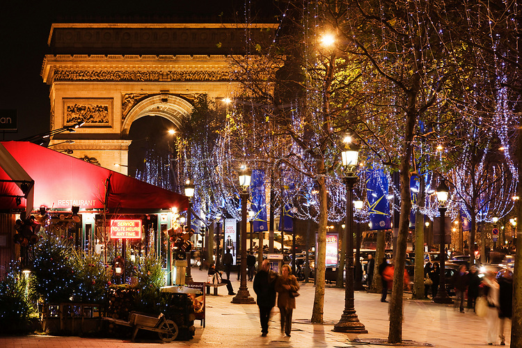 Night shot, Champs-Elysees and Arc de Triomphe triumphal arch, Paris, France, Europe