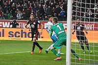 Lukas Hradecky (Eintracht) hält - Eintracht Frankfurt vs. FC Schalke 04, Commerzbank Arena