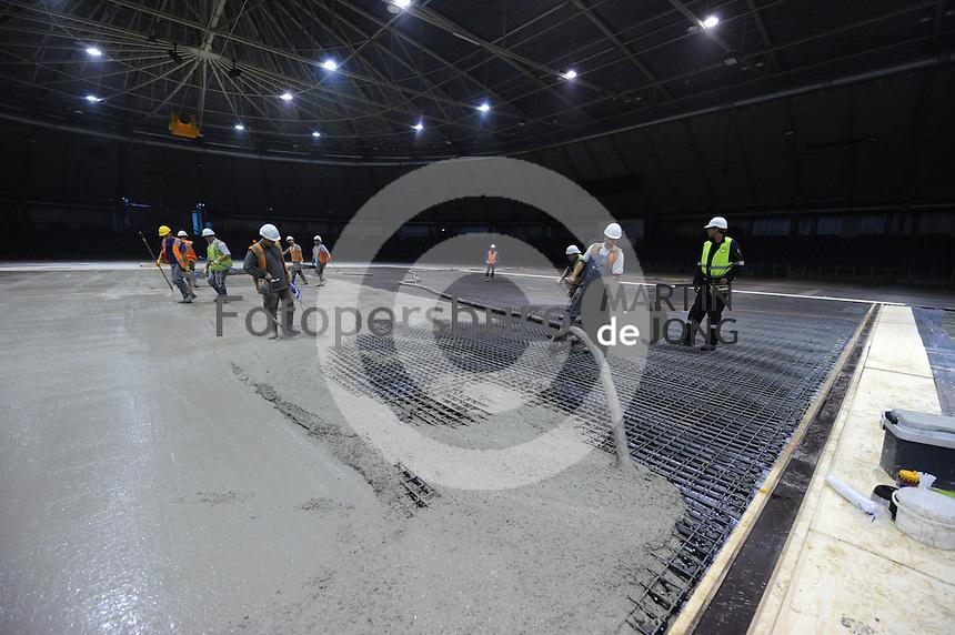 SCHAATSEN: HEERENVEEN: IJsstadion Thialf, 31-08-2015, Ver(nieuw)bouw, ©foto Martin de Jong