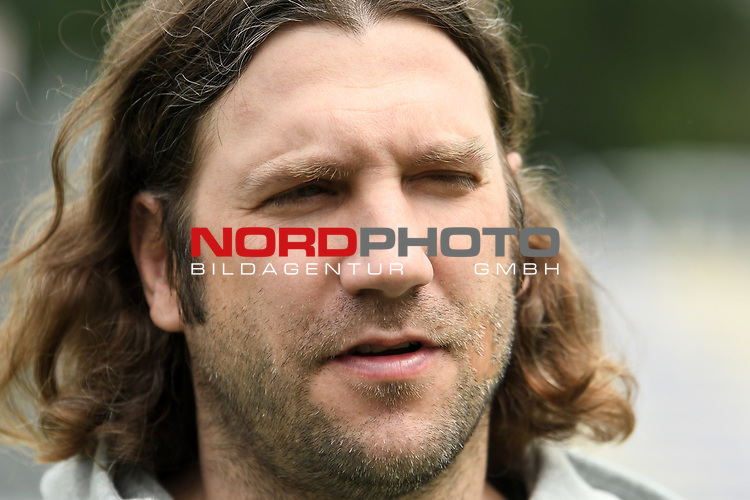 17.07.2020, Hänsch-Arena, Meppen, GER, 3.FBL, PK SV Meppen <br /> <br /> Als neuer Trainer des SV Meppen wurde Torsten Frings vorgestellt.<br /> <br /> im Bild<br /> Trainer Torsten Frings (SV Meppen)<br /> <br /> DFL REGULATIONS PROHIBIT ANY USE OF PHOTOGRAPHS AS IMAGE SEQUENCES AND/OR QUASI-VIDEO<br /> <br /> Foto © nordphoto / Paetzel