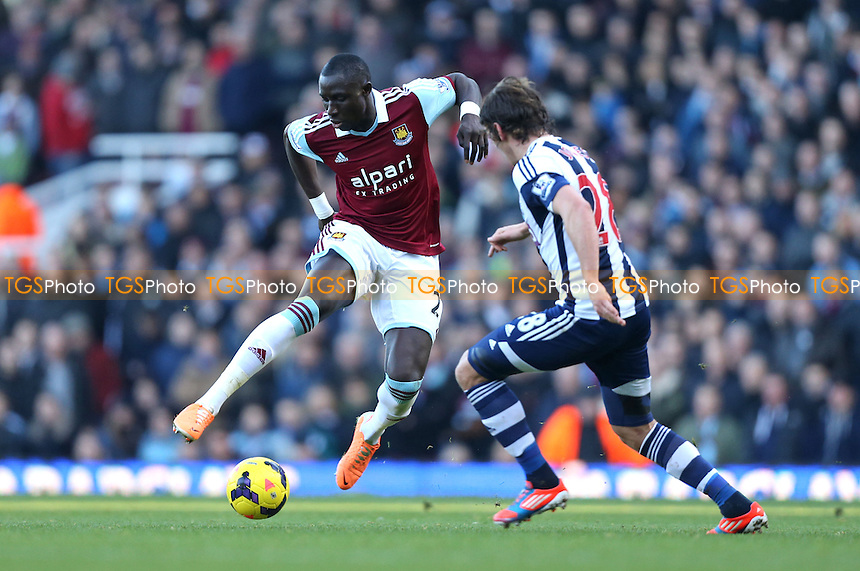 Mohamed Diame of West Ham - West Ham United vs West Bromwich Albion, Barclays Premier League at Upton Park, West Ham - 28/12/13 - MANDATORY CREDIT: Rob Newell/TGSPHOTO - Self billing applies where appropriate - 0845 094 6026 - contact@tgsphoto.co.uk - NO UNPAID USE