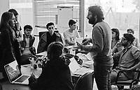 """Milano, un collettivo di """"Lavoratori dell'Arte e dello Spettacolo"""" occupa un edificio inutilizzato, la Torre Galfa, per dare vita a un nuovo centro per le arti e la cultura chiamato MACAO. Tavolo di lavoro --- Milan, a collective of """"Arts and Entertainment Workers"""" occupy an unused building, the Galfa Tower, in order to create a new centre for arts and culture called MACAO"""