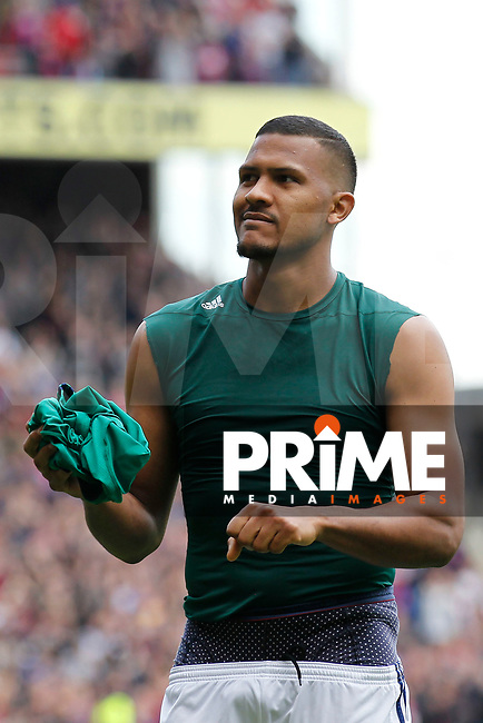 Salomon Rondon of West Brom looks to hand his shirt to a fan during the EPL - Premier League match between Crystal Palace and West Bromwich Albion at Selhurst Park, London, England on 13 May 2018. Photo by Carlton Myrie / PRiME Media Images.