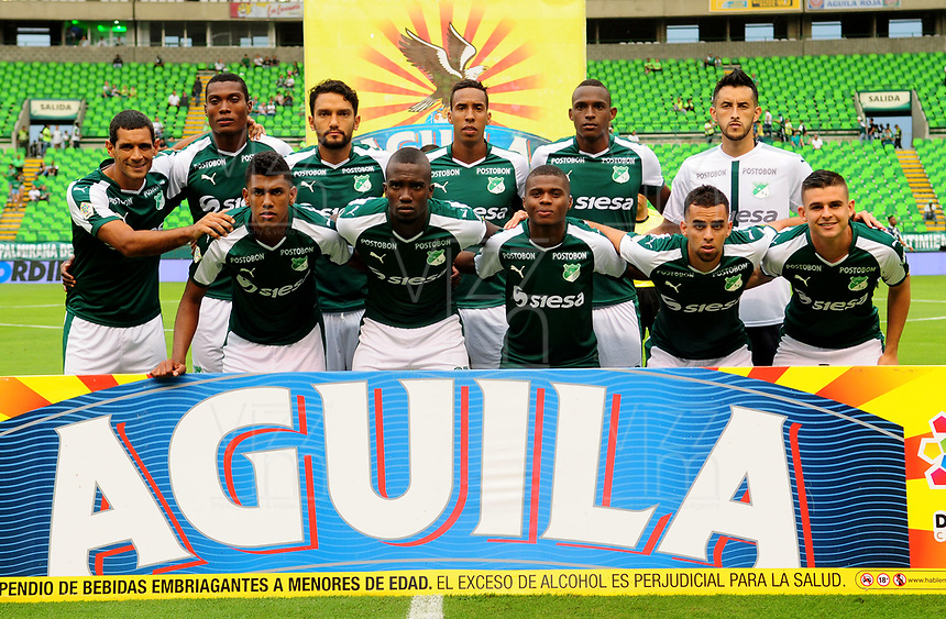 PALMIRA - COLOMBIA - 14 - 02 - 2018: Los jugadores de Deportivo Cali, posan para una foto, durante partido de la fecha 3 por la liga Aguila I 2018, jugado en el estadio Deportivo Cali (Palmaseca) en la ciudad de Palmira. / The players of Deportivo Cali, pose for a photo, during a match of the 3rd date for the Liga Aguila I 2018, at the Deportivo Cali (Palmaseca) stadium in Palmira city. Photo: VizzorImage  / Nelson Rios / Cont.