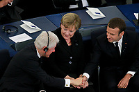 Bill Clinton; Angela Merkel: Emmanuel Macron<br /> STRASBOURG, FRANCE - JULY 01: The guard of honor carrie the coffin of former German Chancellor Helmut Kohl draped with a flag of the European Union out of the memorial ceremony at the European Parliament on July 1, 2017 in Strasbourg, France. Kohl was chancellor of Germany for 16 years and led the country from the Cold War through to reunification. He died on June 16 at the age of 87. <br /> Foto Elyxandro Cegarra / Panoramic / Insidefoto <br /> ITALY ONLY