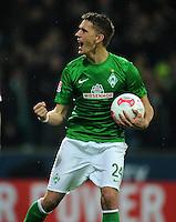 FUSSBALL   1. BUNDESLIGA    SAISON 2012/2013    12. Spieltag   SV Werder Bremen - Fortuna Duesseldorf               18.11.2012 Nils Petersen (SV Werder Bremen) bejubelt seinen Treffer zum 2:1