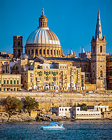 Malta, Valetta: Karmeliterkirche Our Lady of Mt. Carmel (Kuppel) und St. Paul's Anglican Cathedral (Turm) | Malta, Valetta: church Our Lady of Mt. Carmel (dome) und St. Paul's Anglican Cathedral (tower)