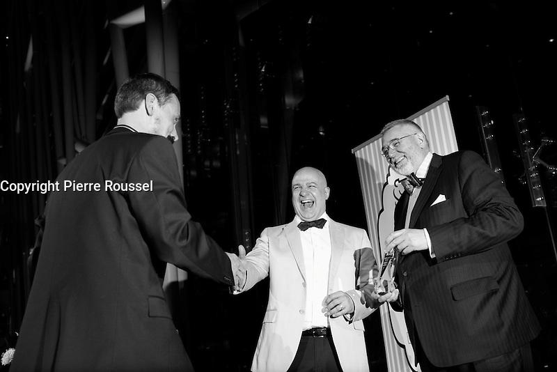 Hommage a Denis-Martin Chabot<br />  au Gala Phenicia de la Chambre de Commerce LGBT du Qu&eacute;bec, tenu au Parquet de la Caisse de Depots et Placements du Quebec, jeudi, 26 mai 2016.<br /> <br /> <br /> PHOTO : Pierre Roussel -  Agence Quebec Presse