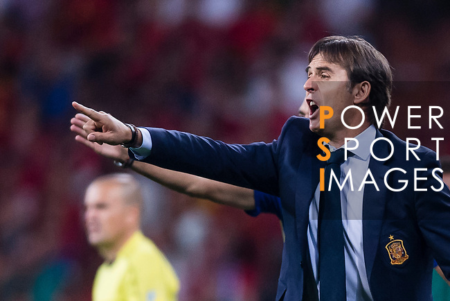 Spain head coach Julen Lopetegui gestures during their 2018 FIFA World Cup Russia Final Qualification Round 1 Group G match between Spain and Italy on 02 September 2017, at Santiago Bernabeu Stadium, in Madrid, Spain. Photo by Diego Gonzalez / Power Sport Images