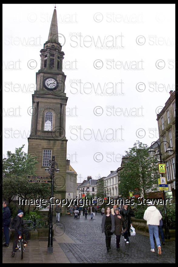 6th May 99                        Copyright Pic : James Stewart .Ref : 990217                           .File Name : stewart06-falkirk voters                        .FALKIRK TOWN CENTRE.......Payments to :-.James Stewart Photo Agency, Stewart House, Stewart Road, Falkirk. FK2 7AS      Vat Reg No. 607 6932 25.Office : 01324 630007        Mobile : 0421 416997.E-mail : JSpics@aol.com.If you require further information then contact Jim Stewart on any of the numbers above.........