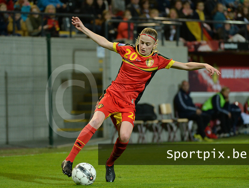 20140410 - LEUVEN , BELGIUM : Belgian Julie Biesmans pictured during the female soccer match between Belgium and Norway, on the seventh matchday in group 5 of the UEFA qualifying round to the FIFA Women World Cup in Canada 2015 at Stadion Den Dreef , Leuven . Thursday 10th April 2014 . PHOTO DAVID CATRY