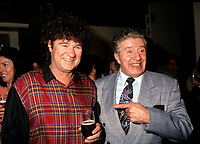 Robert Charlebois<br /> et Paul Berval<br />  entre 1991 et 1995<br /> <br /> <br /> <br /> PHOTO D'ARCHIVE : Agence Quebec Presse