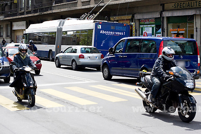 Genève, le 28.04.2009.Circulation routière à la rue des deux ponts..© Le Courrier / J.-P. Di Silvestro