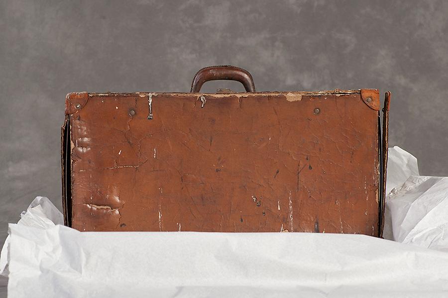 Willard Suitcases / Lindsley M / ©2014 Jon Crispin