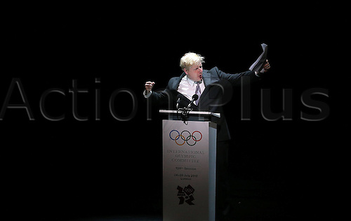 23.07.2012. London England.  Mayor of London Boris Johnson Speaks during The Opening Ceremony of The  International Olympic  IOC Session in London Britain