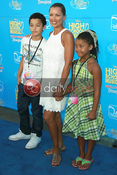 Vanessa Williams and family<br />at the world premiere of Disney's &quot;High School Musical 2&quot;. Downtown Disney, Anaheim, CA. 08-14-07<br />Dave Edwards/DailyCeleb.com 818-249-4998