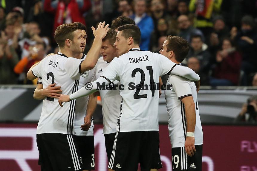 Jubel Toni Kroos (D) beim 1:0 - Deutschland vs. Italien, Allianz Arena München