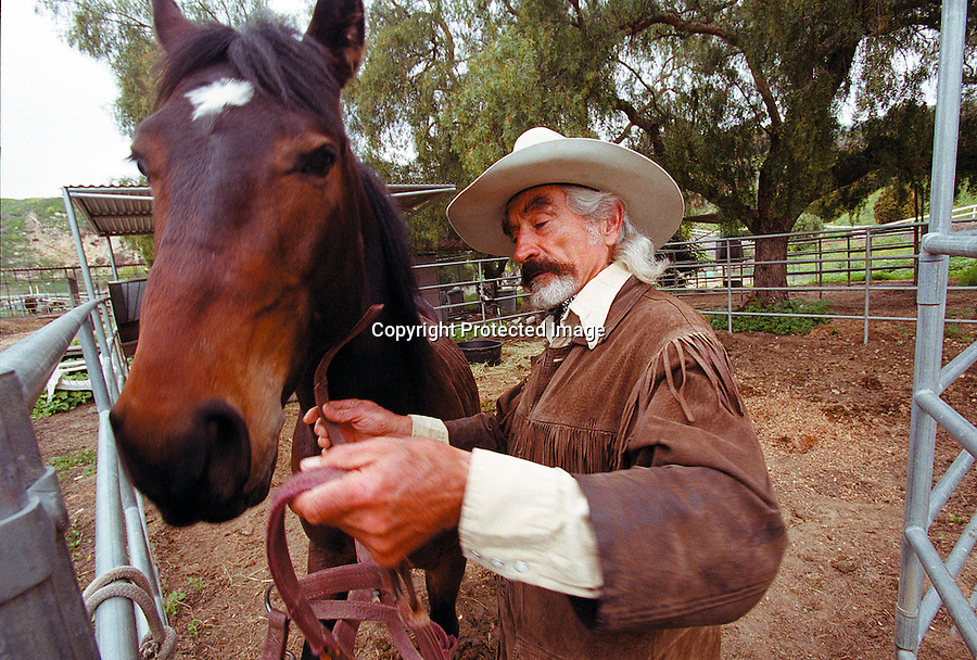 Bread For Life#02/CMYK.PV News Wk 10/2003. Photo:Tom Underhill..Doc Mishler and Chief Spirit.