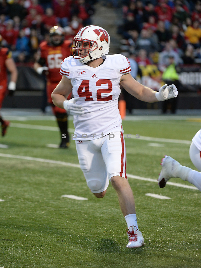 Wisconsin Badgers T.J. Watt (42) during a game against the Maryland Terrapins on November 17, 2015 at Byrd Stadium in College Park, MD. Wisconsin beat Maryland 31-24.