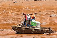 BRUMADINHO, MG, 01.02.2019: ROMPIMENTO DA BARRAGEM EM BRUMADINHO. Bombeiros buscam por mais corpos no local do rompimento da barragem da Mineradora Vale, em Corrego do Feijao-Brumadinho, região metropolina de Belo Horizonte, MG, na manhã desta sexta feira (01) (foto Giazi Cavalcante/Codigo19)