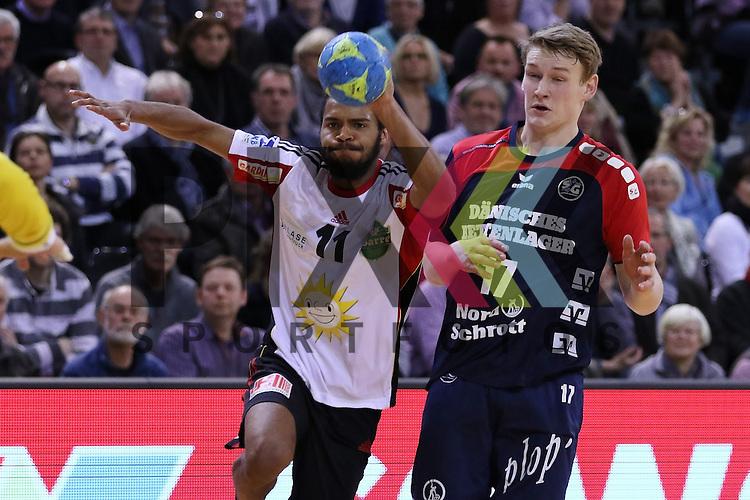 Flensburg, 25.02.15, Sport, Handball, DKB Bundesliga, 20. Spieltag, SG Flensburg-Handewitt - TuS N-L&uuml;bbecke : Ramon Tauabo (TuS N-L&uuml;bbecke, #11), Michael Nicolaisen (SG Flensburg-Handewitt, #17)<br /> <br /> Foto &copy; P-I-X.org *** Foto ist honorarpflichtig! *** Auf Anfrage in hoeherer Qualitaet/Aufloesung. Belegexemplar erbeten. Veroeffentlichung ausschliesslich fuer journalistisch-publizistische Zwecke. For editorial use only.