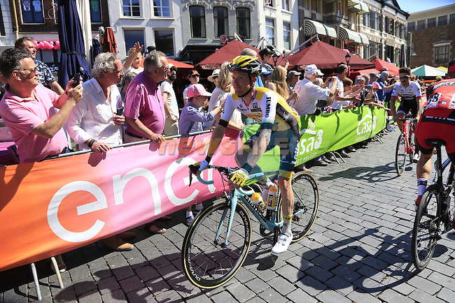 Steven Kruijswijk (NED) Lotto NL-Jumbo arrives at sign on before the start of Stage 3 of the 2016 Giro d'Italia running 190km from Nijmegen to Arnhem, The Nethrerlands. 8th May 2016.<br /> Picture: Eoin Clarke | Newsfile<br /> <br /> <br /> All photos usage must carry mandatory copyright credit (&copy; Newsfile | Eoin Clarke)