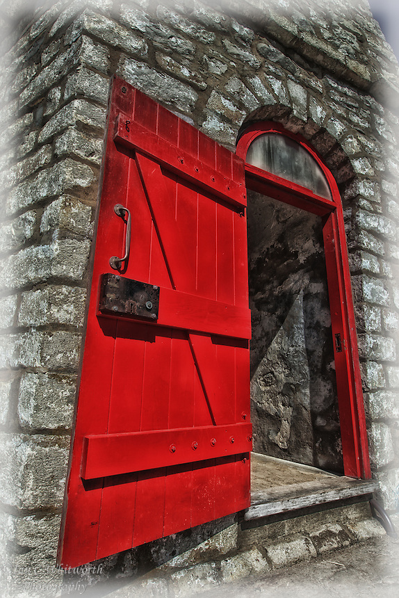 A view of the Toronto Gibraltar Point Lighthouse red door during Doors Open Toronto May 2014 : lighthouse door - pezcame.com