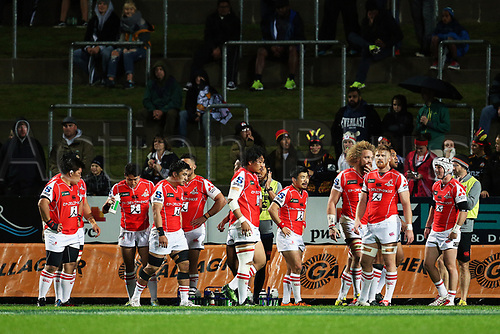 April 29th 2017, FMG Stadium Waikato, Hamilton, New Zealand; Super Rugby; Chiefs versus Sunwolves;  The Sunwolves regroup after conceding a try during the Super Rugby rugby match