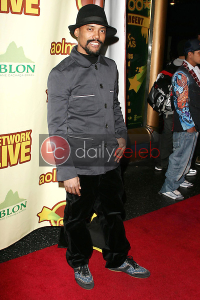 Apl.de.Ap<br />at The Peapod Concert Benefit presented by The Peapod Foundation and Network Live. Henry Fonda Music Box Theater, Los Angeles, CA 02-06-06<br />Dave Edwards/DailyCeleb.com 818-249-4998
