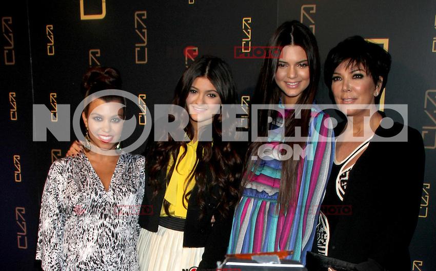 April 23, 2012 Kourtney Kardashian, Kylie Jenner, Kendall Jenner, Kris Jenner asisten a la inauguraci&oacute;n del restaurante RYU en 46 Gansevort Street en Nueva York.<br /> (* Foto*&copy;RW/MediaPunch*/NortePhoto.com*)<br /> * ** SOLO*VENTA* EN*M&Eacute;XICO * *