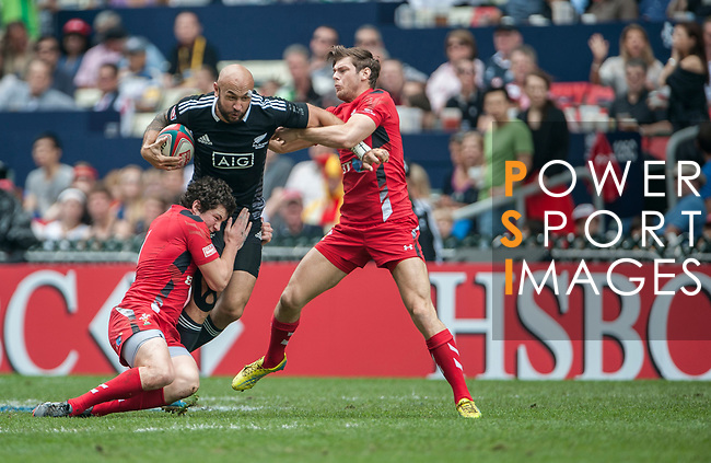 New Zealand vs Wales on Cup Quarter Final on Cup Quarter Finalduring the Cathay Pacific / HSBC Hong Kong Sevens at the Hong Kong Stadium on 30 March 2014 in Hong Kong, China. Photo by Juan Flor / Power Sport Images